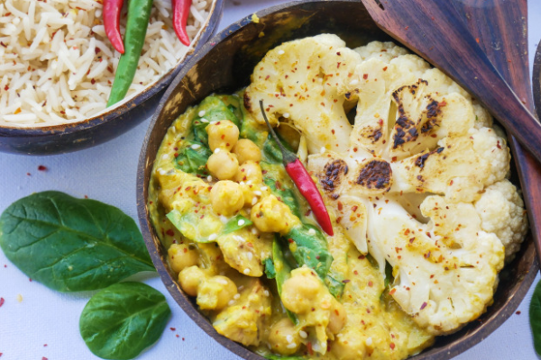 Satay cauliflower & chickpea curry post image on the-journal.es