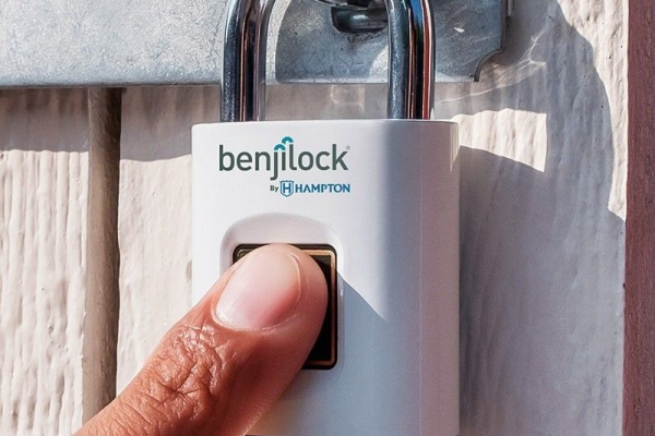 Fingerprint Sensor Lock post image on the-journal.es