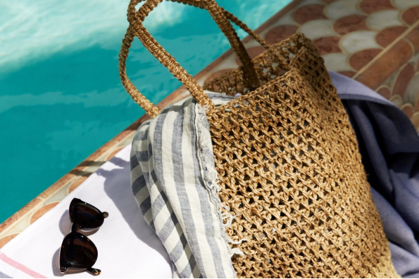 10 Essentials for Every Beach Bag post image on the-journal.es