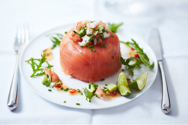 Prawn cocktail and salmon parcels post image on the-journal.es