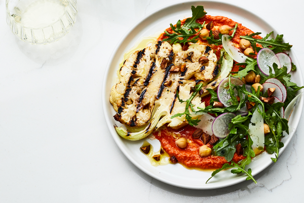 Cauliflower steaks with roasted red pepper & olive salsa post image on the-journal.es