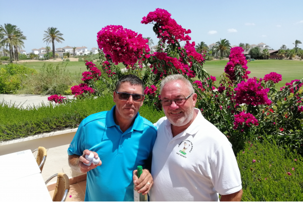 Straight Down The Middle – Golf Society