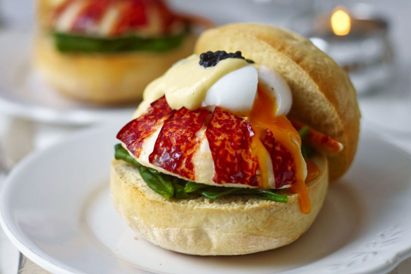 Lobster muffins with poached egg, caviar, spinach & hollandaise