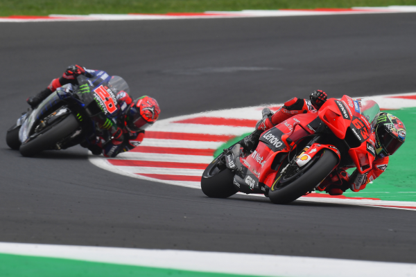Francesco Bagnaia brilliantly held off a fast charging Fabio Quartararo to claim his second consecutive MotoGP win in Misano. post image on the-journal.es